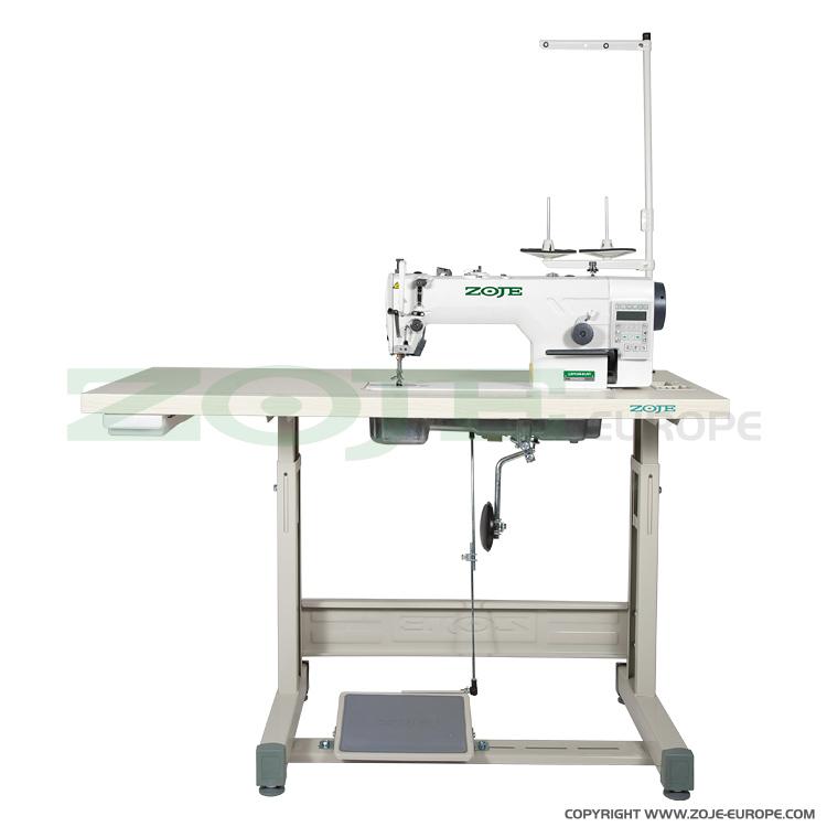Automatische Steppstichmaschine für leichte und mittlere Stoffe, mit ...